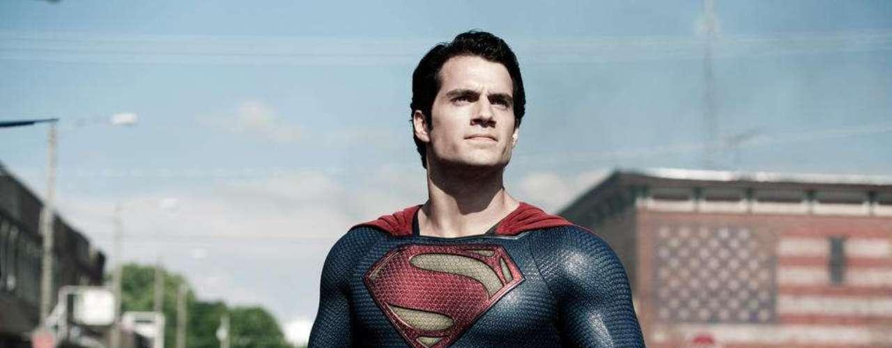 Man of Steel con el guapo de Henry Cavill recaudó $291 millones de dólares