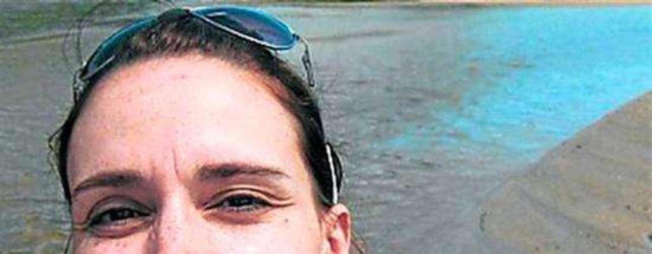 Un caso bastante triste fue el de la actriz Olga Nani, quien con tan solo 36 años y madre de una pequeña de 3 años tuvo que decir adiós a cuenta de una rara enfermedad llamada Linfangiomiomatosis cuya cura era un trasplante bipolmunar. A pesar de la campaña que los medios emprendieron la actriz murió esperando a un donante.Actores que murieron en2011Actores hispanos quemurieron en 2012Estrellas hispanas que murieron en 2013Encuentra páginas de tus novelas favoritas en orden alfabético