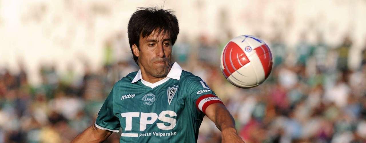 Renovó:Al histórico Moisés Villarroel se le renovó el contrato por seis meses más, hasta mediados del 2014.