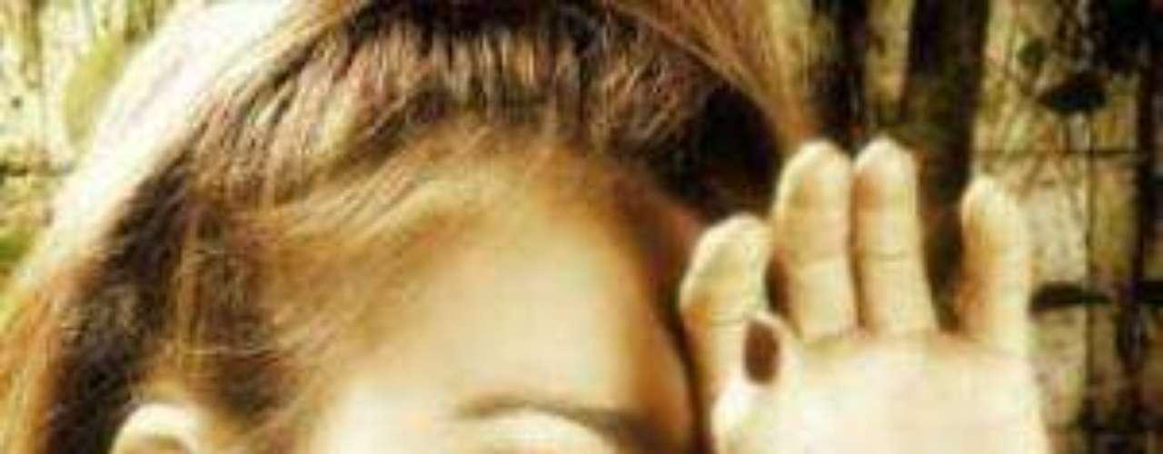 Un desafortunado hecho ocurrió por culpa de un mal procedimientoquirúrgico que le causó complicaciones a la actriz Sandra VivianaBrand de 30 años, quien murió el 12 de abril de este año en elhospital Simón Bolívar en Colombia luego de una cirugía paraaumentar el tamaño de sus glúteos.Actores que murieron en2011Actores hispanos quemurieron en 2012Estrellas hispanasque murieron en 2013Encuentra páginas de tus novelas favoritas en orden alfabéticoFallece Gérard de Villiers, popular autor francés de novelas de espionaje