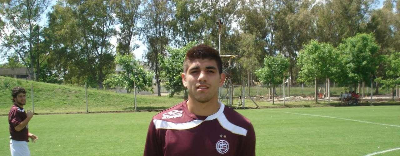 Refuerzos: Leandro Nicolás Díaz se transformó en el primer fichaje de Everton para la próxima temporada. El delantero argentino proviene de Huracán. A él se suma Matías Donoso, ariete que terminó contrato con Santiago Wanderers y Matíaz Blásquez (Barnechea).