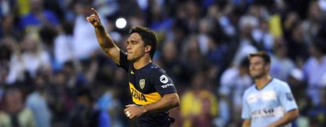 Matías Caruzzo: el buen central de Boca Juniors es reserva y termina contrato en junio de 2014. Quiere jugar y podría rescindir con su club. Fue campeón en 2010 con Borghi en Argentinos Juniors.