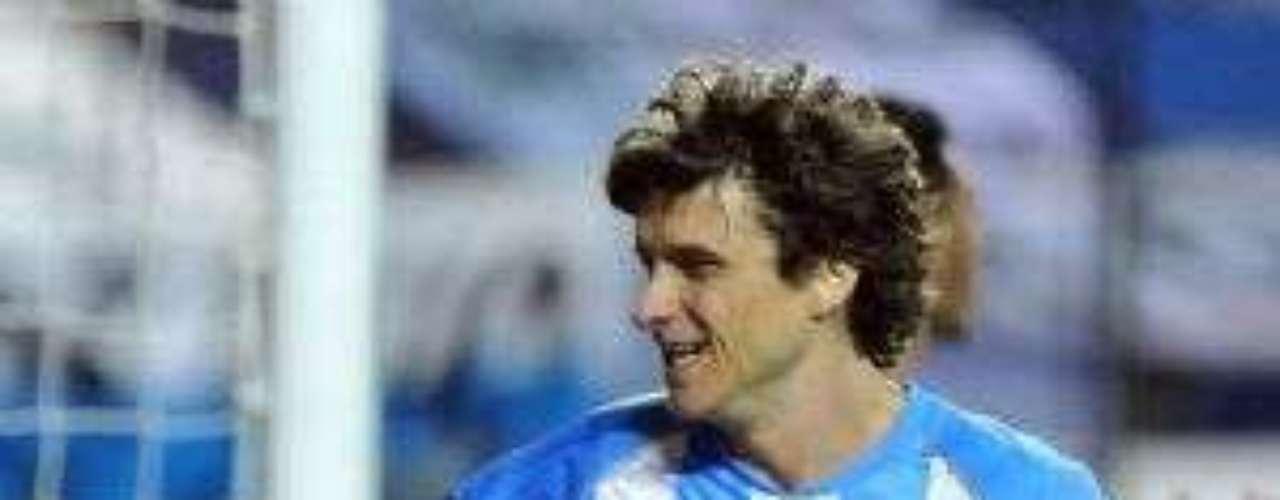 Agustín Pelletieri: el volante argentino de Racing está en la agenda alba. No tiene asegurada su continuidad en la Academia pese a tener contrato hasta mediados de 2014.