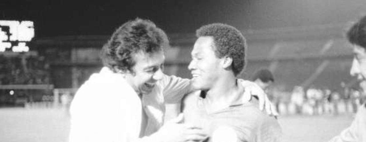 Diomedes con Willington Ortiz en 1985.
