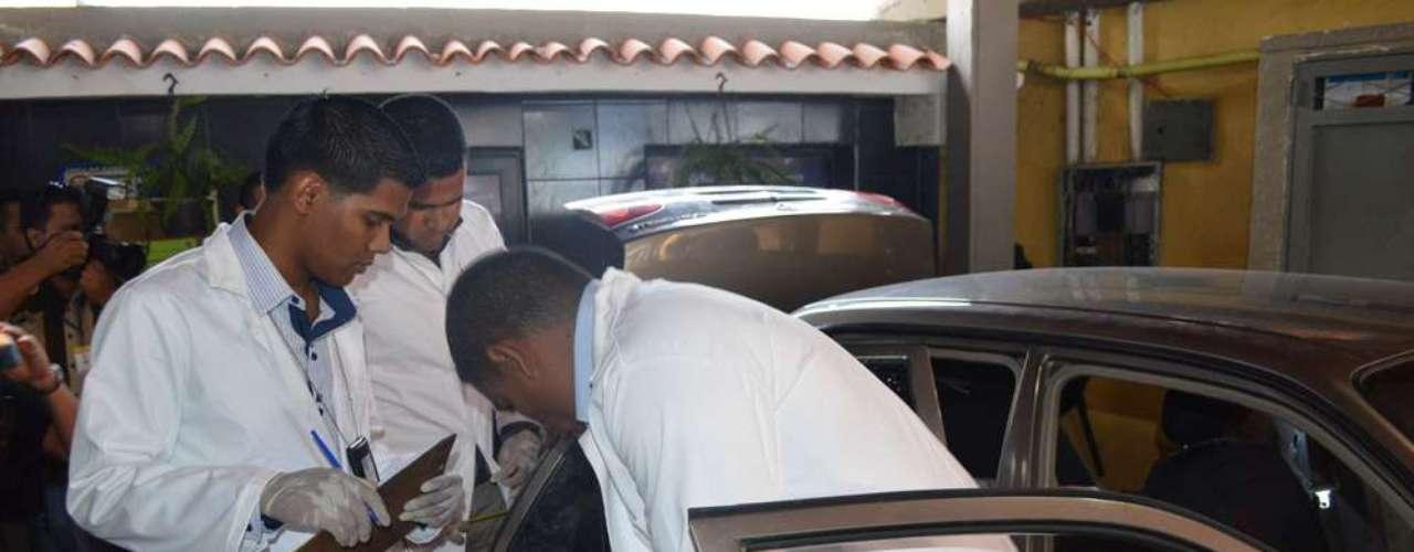 La ex Miss Venezuela Mónica Spear, actriz de la cadena estadounidense en español Telemundo, y su pareja fueron asesinados a balazos en una autopista de Venezuela, informaron este martes autoridades, un crimen descrito como \