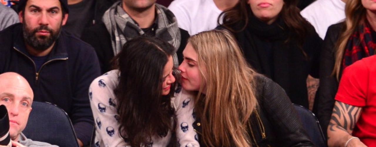 A finales del 2013,Michelle Rodríguezconfesó ser bisexual para dar carpetazo final a los rumores que se decían de ella y sus preferencias sexuales.