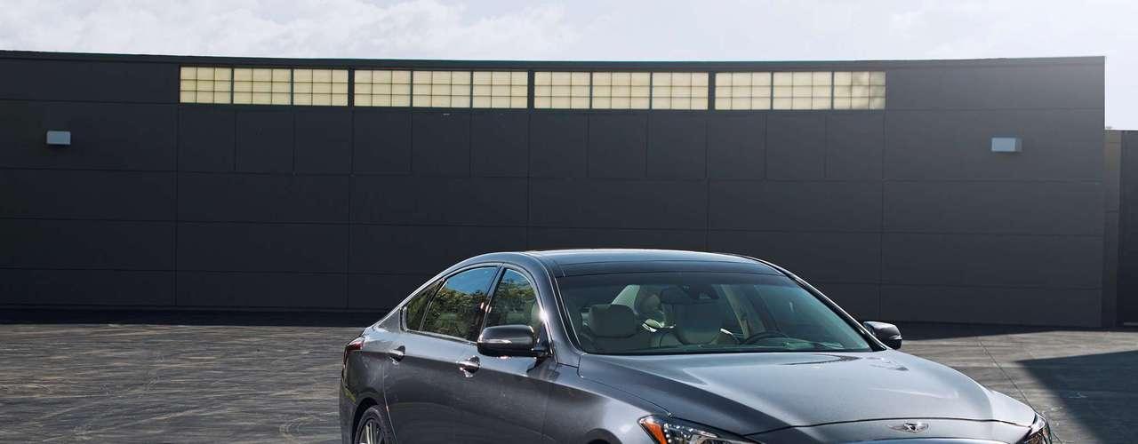 Por primera vez en una berlina de Hyundai tendrá un sistema de tracción total sofisticado conocido como HTRAC.