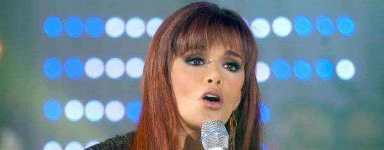 En 2010 recibió el nombramiento como 'Reina de losMariachis' y lanzó el álbum 'Lucía Méndez canta unhomenaje a Juan Gabriel'; por ese entonces sacó ala venta en Estados Unidos, 'Reina de reinas', conéxitos remezclados.Lucía Méndezy la telenovela de sus memes y fotos eninternetLos 50 rostros más bellos delas telenovelasDivas de telenovelasque hicieron historia en la TV¿Triste realidad? Las estrellassin maquillaje