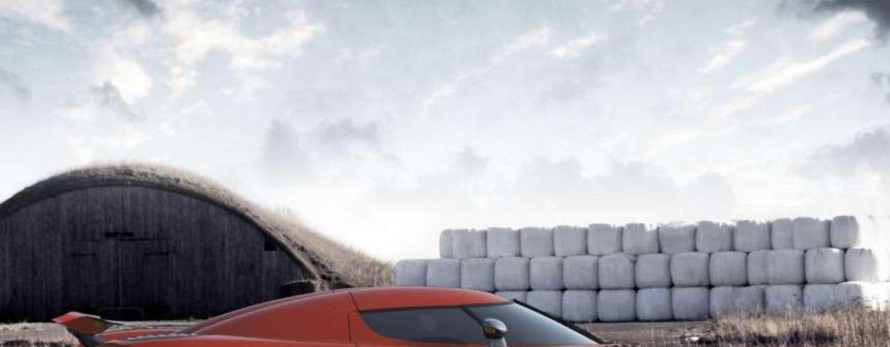 Con el fin de dar la máxima flexibilidad en lo que respecta a la entrega de potencia, Koenigsegg ha implementado la tecnología más avanzada en lo que respecta a materiales y diseño. Esto reduce la inercia de la rueda de la turbina y el eje, por lo tanto da una mejor respuesta.