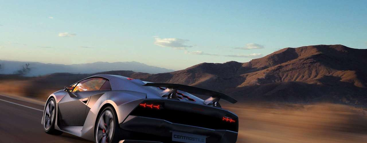 Es capaz de producir 570 caballos defuerza y su relación potencia- peso es de sólo 1,75 kg por hp.
