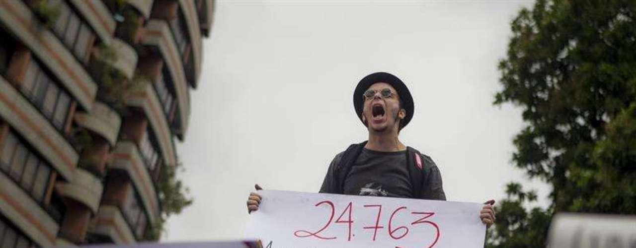 Los homicidios se han cuadruplicado en los últimos 15 años, según el Observatorio Venezolano de Violencia, el 2013 culminó con 24.763 muertes violentas.