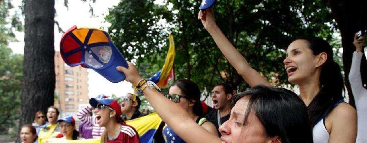 """En las principales ciudades del mundo repudian la detención del opositor Leopoldo López. Venezolanos en el exterior y ciudadanos de todas partes del mundo se movilizaron hacia lugares emblemáticos de su ciudad para apoyar las protestas antichavistas. """"¡Que estemos lejos no quiere decir que no nos importe"""", se lee en un tuit de una venezolana en Sydney."""