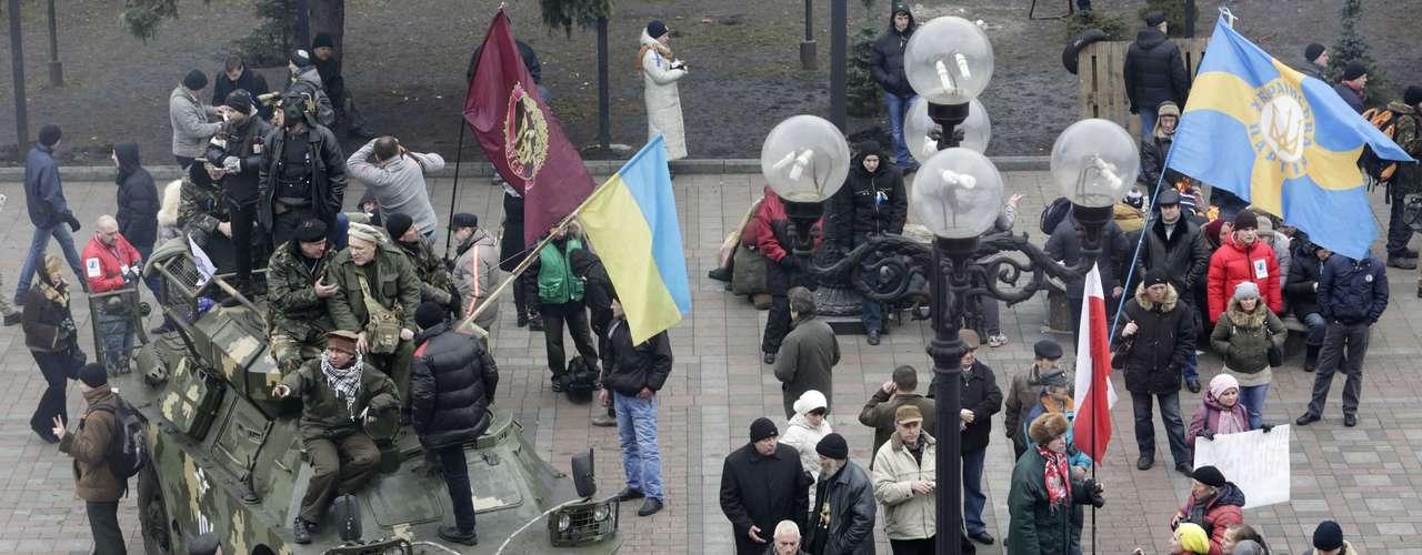 Un grupo armado prorruso irrumpió la madrugada de hoy en el aeropuerto de Simferópol, la capital de la república autónoma ucraniana de Crimea. \