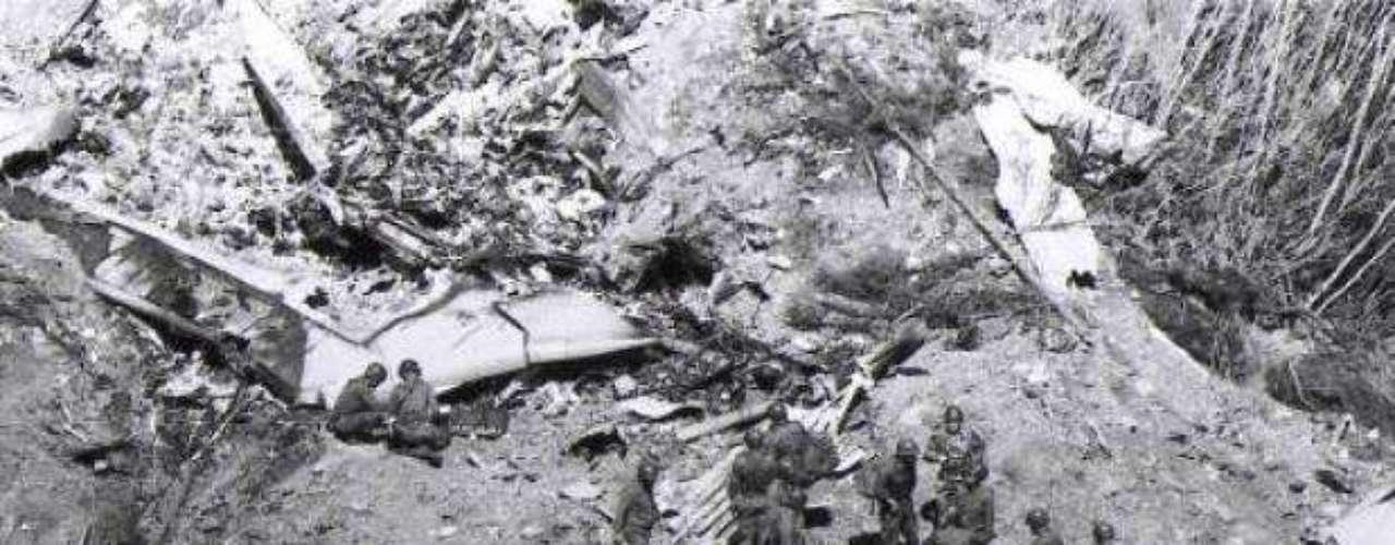 23 de junio de 1985. Vuelo internacional 182 de Air India con ruta Montreal - Londres - Nueva Delhi - Bombay. Fue un Boeing 747 llamado Emperador Kanishka que explotó a una altitud de 9400 metros del Océano Atlántico en Irlanda. Murieron 329 personas.