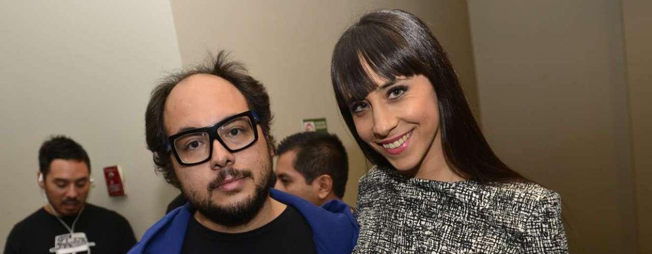 El director de cine Nicolás López y la periodista de \