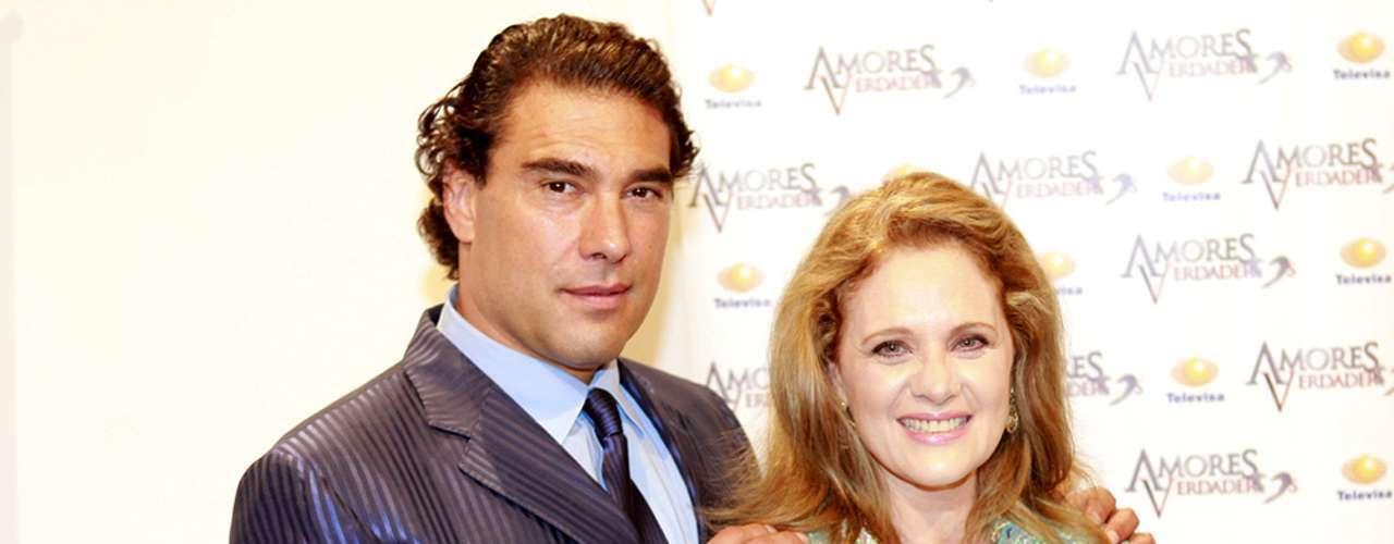 'Amores Verdaderos'. La producción de Nicandro Díaz sigue presente en la memoria de los televidentes. La telenovela compite a mejor telenovela en los premios 2014, a pesar de que terminó su transmisión en mayo de 2013.