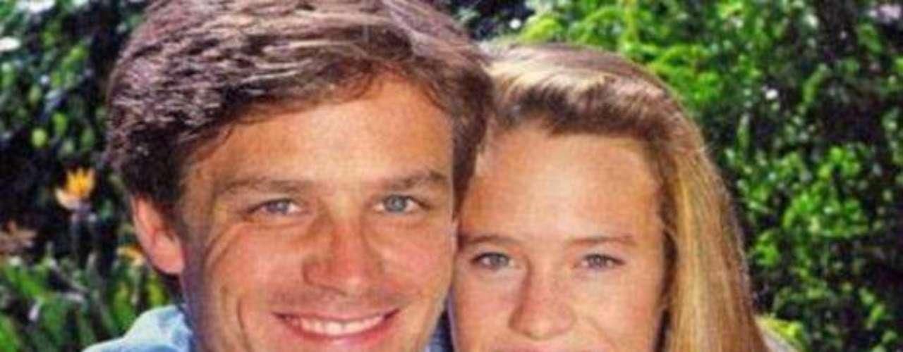 Dane Witherspoon. El actor conocido por su participación en la exitosa serie de NBC 'Santa Barbara' y primer marido de la actriz Robin Wright, falleció el viernes 29 de marzo a los 56 años aún por causas desconocidas.