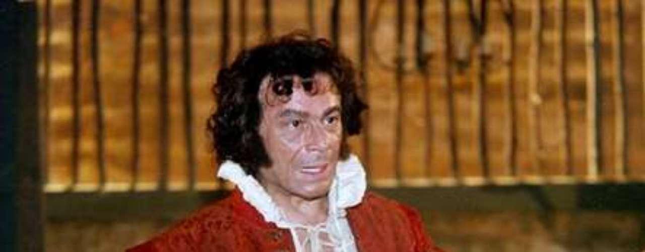 José Wilker fallecióeste sábado a la mañana, víctima de un infarto fulminante, en su casa de Río de Janeiro.En esta foto, el actor en'A Muralha', en2000