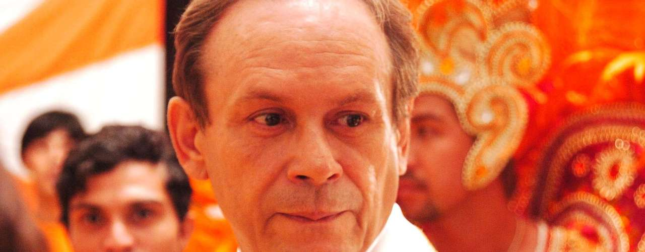 José Wilker fallecióeste sábado a la mañana, víctima de un infarto fulminante, en su casa de Río de Janeiro.En esta foto, el actor en'Senhora do Destino'