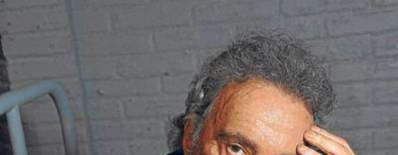 Alfredo Alcón.-El actor considerado la mayor figura de la escena argentina contemporánea, murió el 11 de abril a los 84 años en su casa debido a una insuficiencia respiratoria, informó su representante, Alejandro Vanelli.