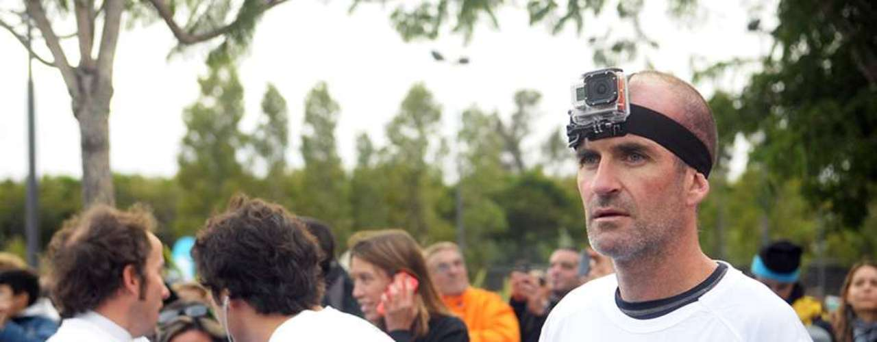 Diez mil corredores se dieron cita en las calles de Puerto Madero para participar de una nueva edición de la tradicional carrera de 10km organizada por FILA. A pesar de la fría mañana otoñal, la ciudad fue una fiesta blanca y violeta.