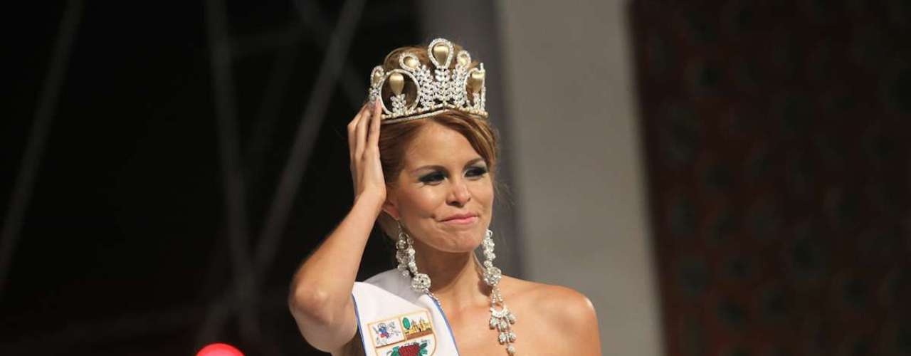 Jimena Espinoza se coronó como la Miss Perú Universo 2014.
