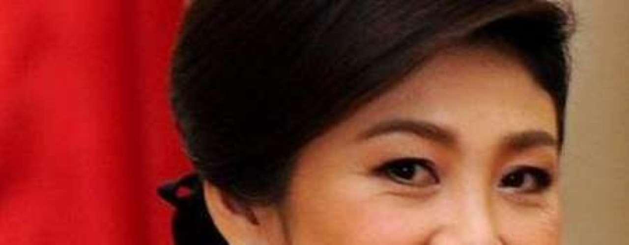 Yingluck Shinawatra: Fue elegida primer ministro de Tailandia el 5 de agosto de 2011. Nombrada líder del Puea Thai (brazo político de los denominados Camisas Rojas) dos meses antes de las elecciones.
