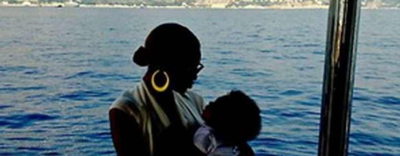 Beyonce compartió nuevas fotos de su intimidad, entre ellas, esta hermosa imagen junto a su hija Blue Ivy