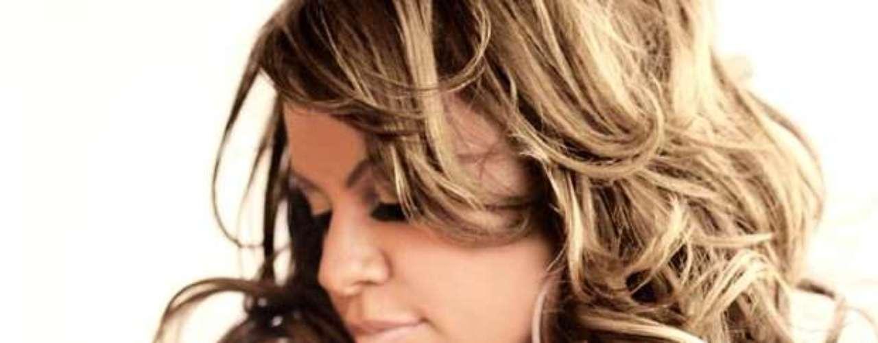 Tras el fallecimiento de Jenni Rivera, la 'Diva de la Banda'. los famosos que la conocieron usaron las redes sociales para mandar mensajes de pésame, tristeza y consternación.