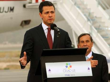 Peña Nieto arribó a Chile, donde participará en la Cumbre de Jefes de Estado de América Latina, el Caribe y de la Unión Europea.  Foto: Notimex
