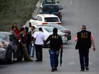 Persecución entre ministeriales y delincuentesque culmina con un tiroteo en una brecha a la altura de la colonia Cumbres del Sol, deja comosaldo cinco pistoleros muertos. Foto: Carlos Tamayo / Terra