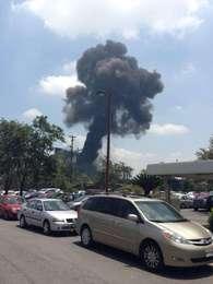 Fuerte explosión se registró en una de las naves de la trasnacional acerera en Monterrey Foto: Tomada de Twitter