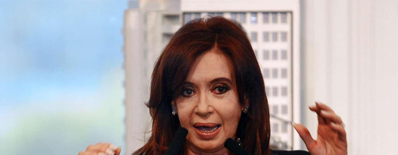 Cristina Kirchner – La presidenta argentina llegará a tierras brasileñas para participar de los debates sobre igualdad de género que tendrán lugar durante la Rio+20.