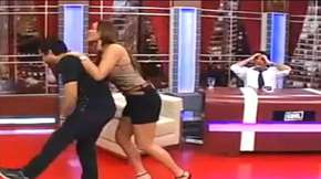Ense&ntilde;a peligroso juego sexual de moda entre j&oacute;venes en T.V.