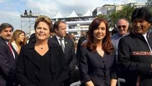 Dilma, kirchner e Evo Morales chegam para última missa do Papa Video: