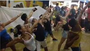 Comissão de frente da Tijuca comemora título na quadra Video: