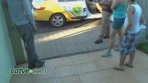 Bandidos amarram morador durante assalto no Guarujá, em Cascavel Video: