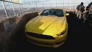 Ford comemora 50 anos do Mustang no alto do Empire State Video: