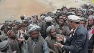Afeganistão decreta luto após deslizamento Video: