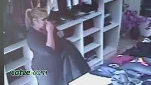 Câmeras flagram ação de ladra em loja de roupas em Cascavel Video: