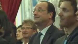 Câmera mostra reação de Hollande ao ver jogo da Copa Video: