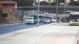 Veja o momento em que viaduto desaba em Belo Horizonte Video: