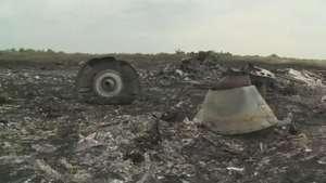 Para Ucrânia, russos atrapalham perícia em restos de avião Video: