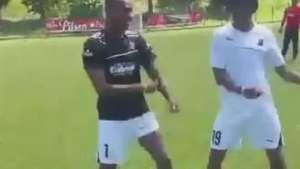 Cuadrado mostra ginga em dancinha após treino Video:
