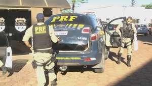 PRF prende homens com revólveres e munição na BR 369 Video: