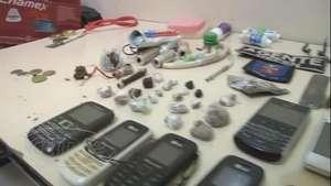 Presos do cadeião escondiam drogas em embalagens de pasta de dente Video: