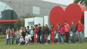 Jovens visitam campus e participam da Feira de Profissões da FAG Video: