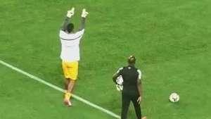 Torcida do Grêmio vaia Aranha em retorno à Arena Video: