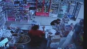 Mercado é assaltado no Santo Onofre Video: