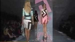 Versace apresenta coleção com brilhos e recortes geométricos Video: